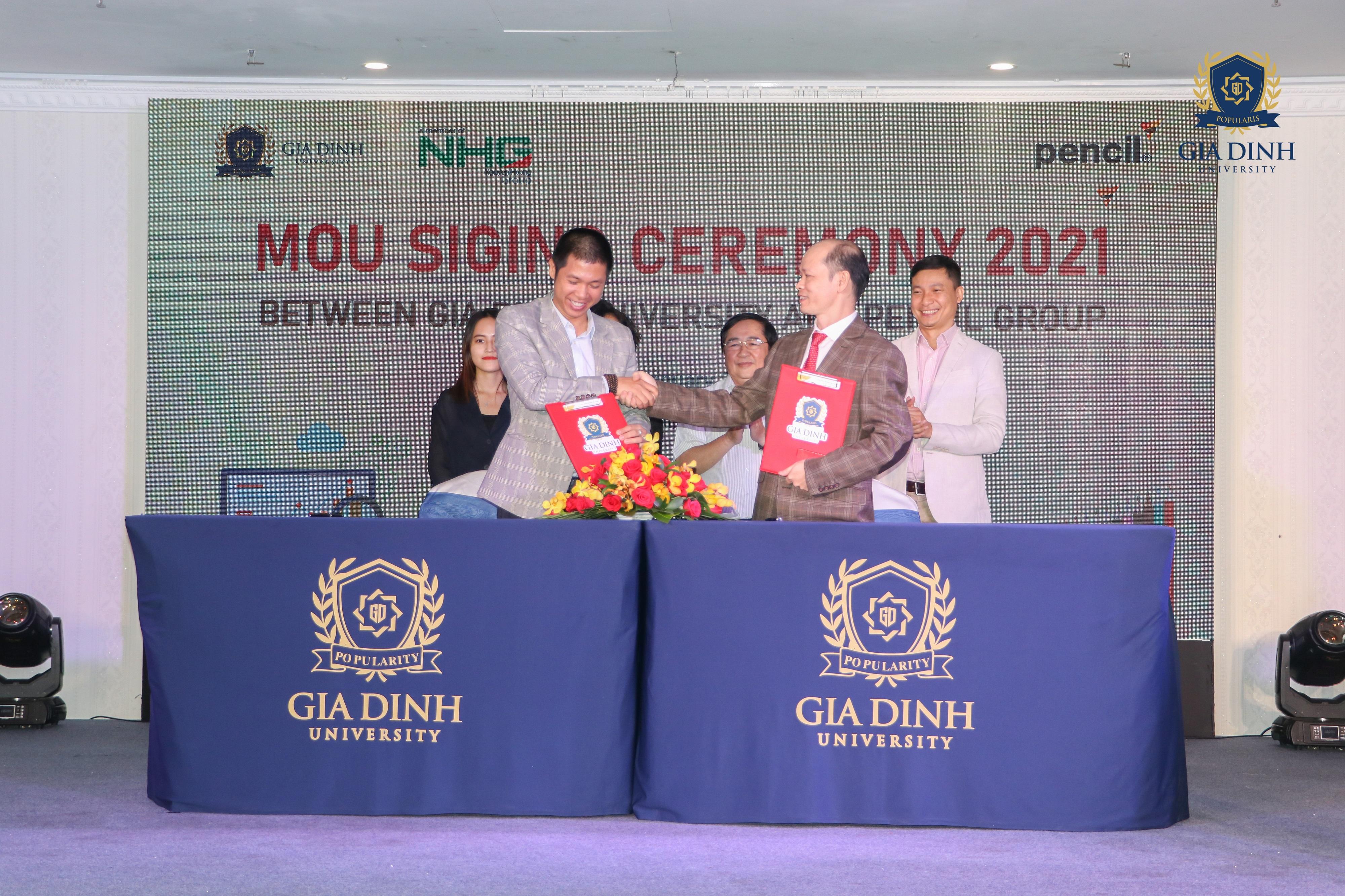 IMG 6319 Trường Đại học Gia Định (GDU) ký kết hợp tác đào tạo với công ty Pencil Group